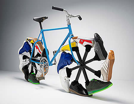 И странные мотоциклы и велосипеды